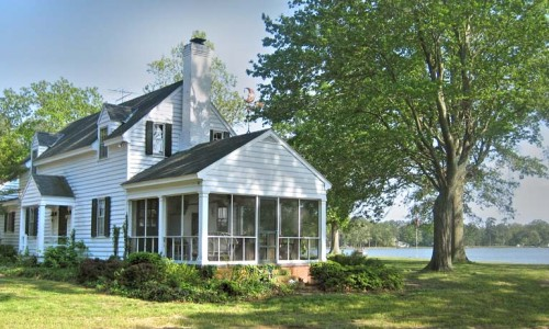 historic waterfront home in Mathews, Va