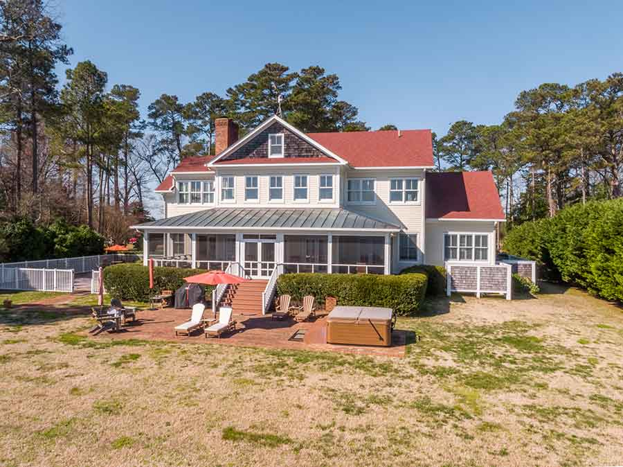 Deltaville waterfront home on Stove Point