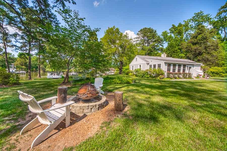 Cottage at Cobbs Creek in Mathews